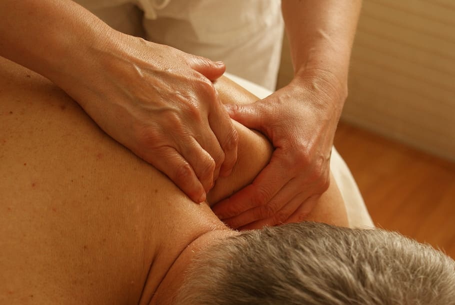 massage-shoulder-relaxation-massage-relaxation